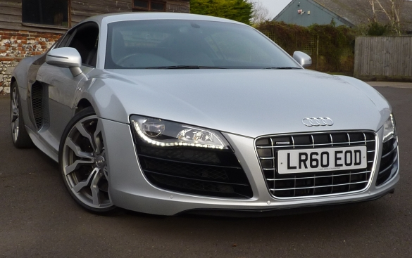 Audi R8 5.2 quattro 2dr 4WD Huge Spec. options cost over £17k