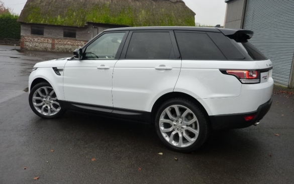 Land Rover Range Rover Sport 3.0SD (s/s) HSE Dynamic 5dr 4WD