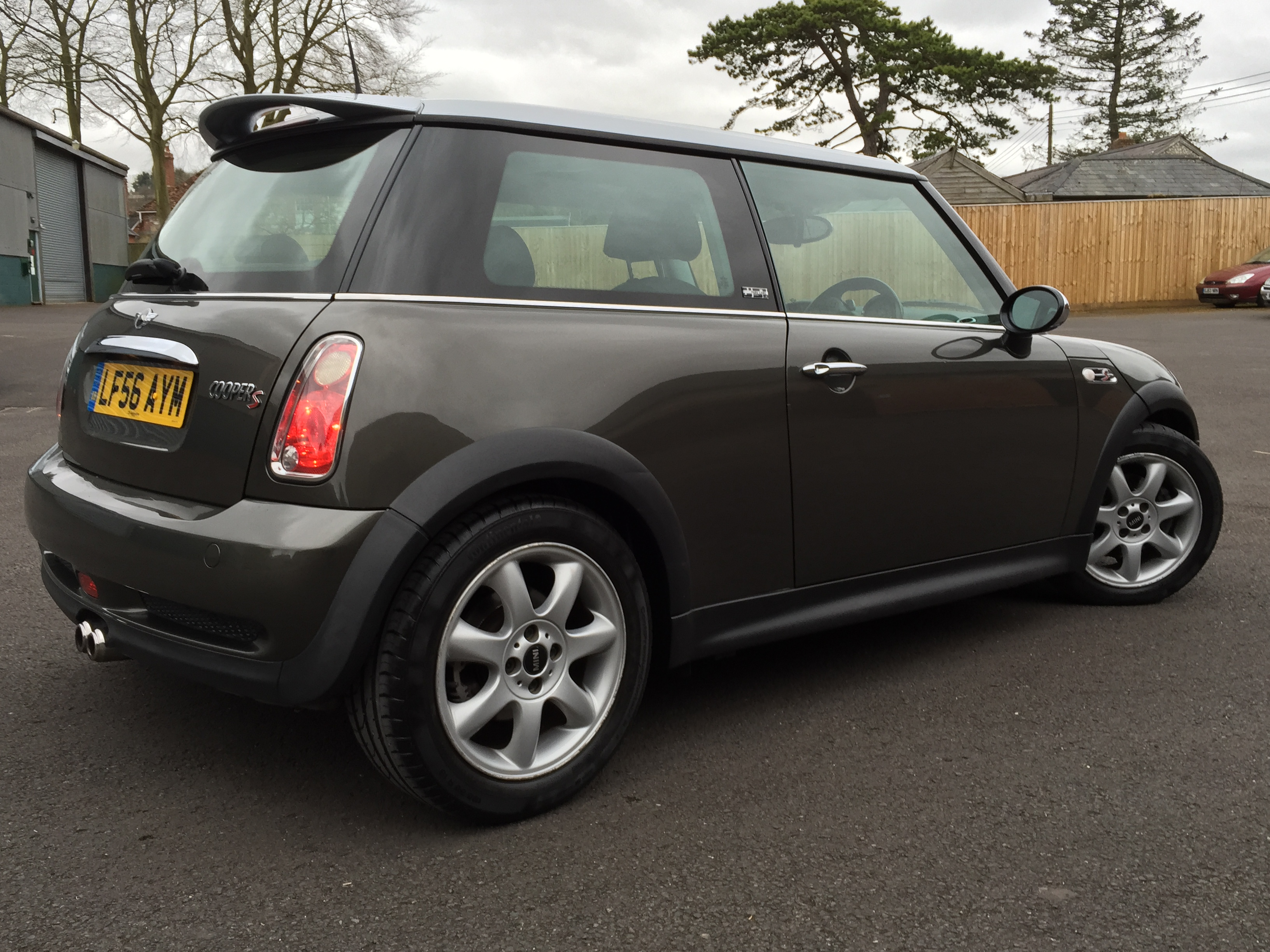 mini hatch cooper s 1 6 cooper s 3dr park lane limited edition 2006 56 6995 cs. Black Bedroom Furniture Sets. Home Design Ideas