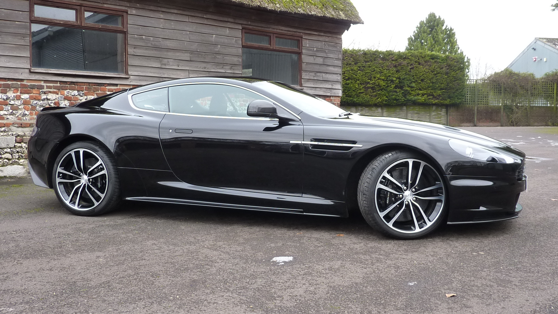 Aston Martin Dbs Ultimate 6 0 V12 Coupe 2dr Touchtronic